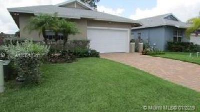 Jupiter Single Family Home For Sale: 17725 Evangeline Ave