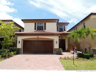 Doral Single Family Home For Sale: 10010 NW 86th Ter