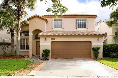 Pembroke Pines Single Family Home For Sale