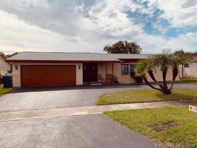 Sunrise Single Family Home For Sale: 9660 NW 24th Ct