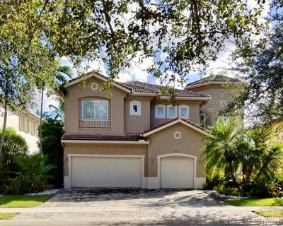 Doral Single Family Home For Sale: 11140 NW 71st St