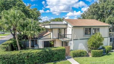 Plantation Condo For Sale: 13281 NW 5th St #13281