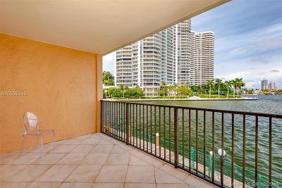 North Miami Beach Condo For Sale: 3745 NE 171st St #15