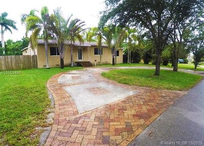 Miami Springs Single Family Home For Sale: 650 Falcon Ave
