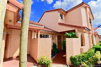 Hialeah Condo For Sale: 6233 NW 170th Ter