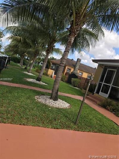 Hialeah Multi Family Home For Sale: 308 E 43rd St