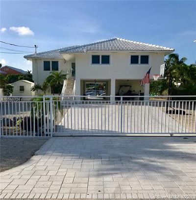 Monroe County Single Family Home For Sale: 480 Bahia Ave