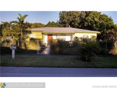 Miami Gardens Single Family Home For Sale: 18925 NW 3rd Ave
