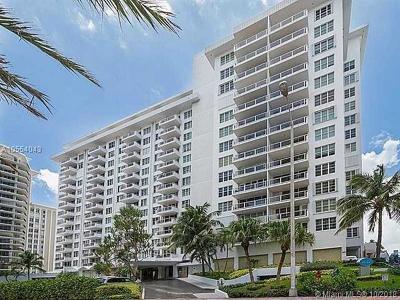 Miami Beach Condo For Sale: 5700 Collins Ave #3D