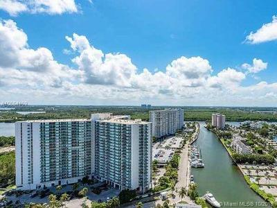 Sunny Isles Beach Condo For Sale: 100 Bayview Dr #405