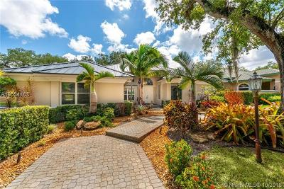 Dania Beach Single Family Home For Sale: 3920 Laurel Oak Way