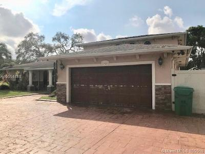 Miami Gardens Single Family Home For Sale: 1700 NW 194th St