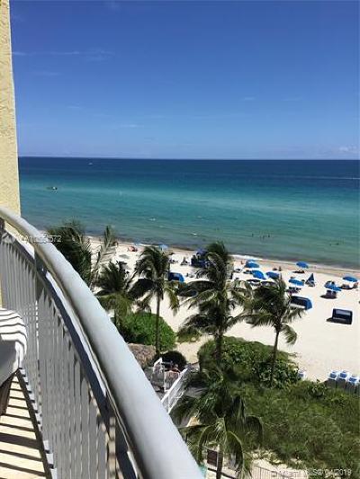 Sunny Isles Beach Condo For Sale: 17375 Collins #702