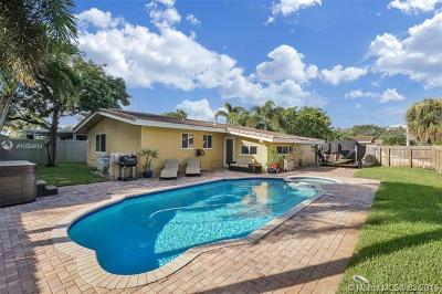 Oakland Park Single Family Home For Sale: 3792 NE 19th Ave