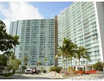 Sunny Isles Beach Condo For Sale: 100 Bayview Dr #725