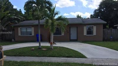 North Lauderdale Single Family Home For Sale: 7698 SW 4th Pl