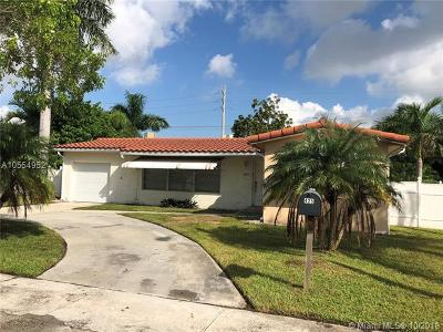 Dania Beach Single Family Home For Sale: 425 SE 3rd Ter