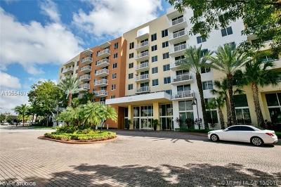 Miami-Dade County Condo For Sale: 2775 NE 187th St #414