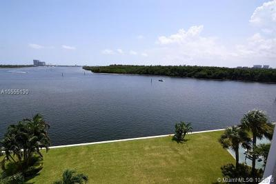 Sunny Isles Beach Condo For Sale: 500 Bayview Dr #420