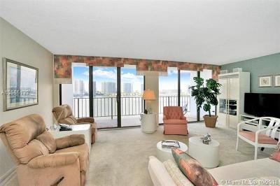Sunny Isles Beach Condo For Sale: 17720 N Bay Rd #1103