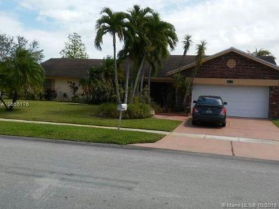 Pembroke Pines Single Family Home For Sale: 441 NW 201st Ave