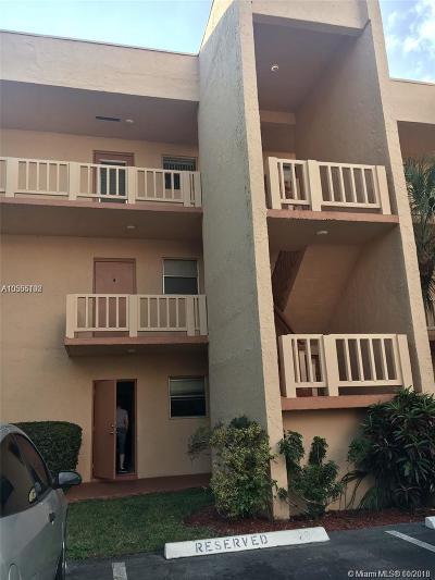 Tamarac Condo For Sale: 8400 Lagos De Campo #101
