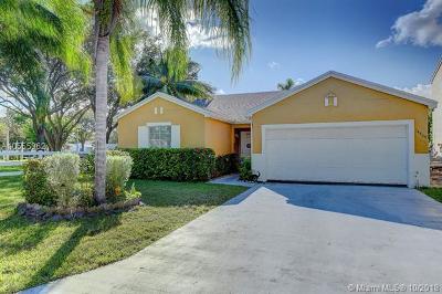 Miami FL Single Family Home For Sale: $315,000