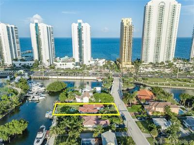 Sunny Isles Beach Single Family Home For Sale: 211 Atlantic Isle