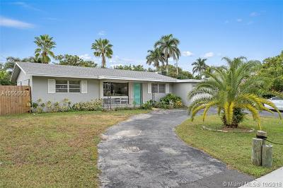 Single Family Home For Sale: 426 Tequesta Dr 426