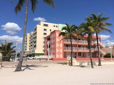 Hollywood Condo For Sale: 320 S Surf Rd #305