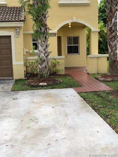 Pembroke Pines Single Family Home For Sale: 16848 SW 1st Mnr