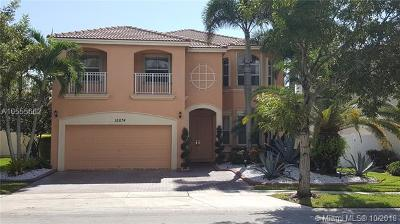 Miramar Single Family Home For Sale: 15674 SW 53 Ct