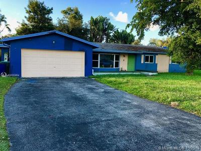 Cooper City Single Family Home For Sale: 10327 SW 50th Ct