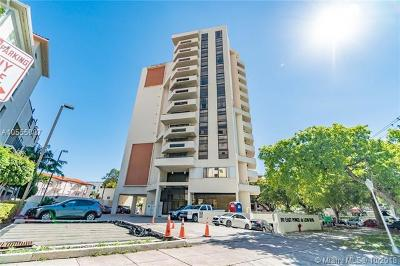 Coral Gables Condo For Sale: 911 E Ponce De Leon Blvd #1103