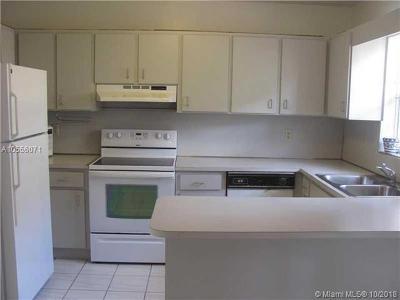 North Miami Beach Condo For Sale: 2050 NE 140th St #13