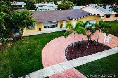 Pembroke Pines Single Family Home For Sale: 10650 NW 19th Pl