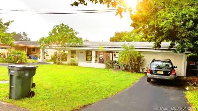 Dania Beach Multi Family Home For Sale: 2320 SW 44th St