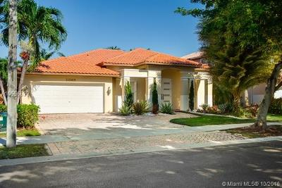 Doral Single Family Home For Sale: 11365 NW 66 St