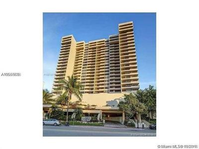 Miami Beach Condo For Sale: 2555 Collins Ave #604