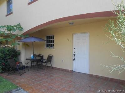 Hialeah Condo For Sale: 6762 NW 182nd St #104
