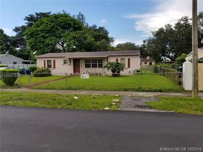 Miami Gardens Single Family Home For Sale: 2745 NW 163