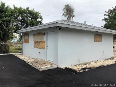 Miami-Dade County Multi Family Home For Sale: 10275 SW 175 St
