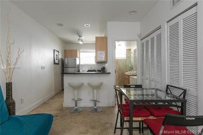 Miami Beach Condo For Sale: 751 Collins Ave #5