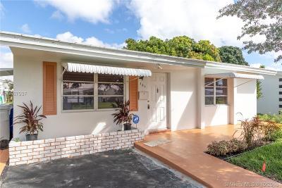 Pompano Beach Single Family Home For Sale: 381 Leisure Blvd