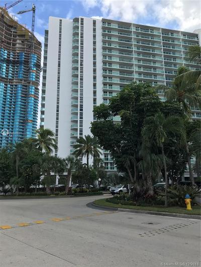 Sunny Isles Beach Condo For Sale: 100 Bayview Dr #928