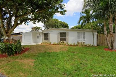 Miami-Dade County Single Family Home For Sale: 8235 NW 180th St