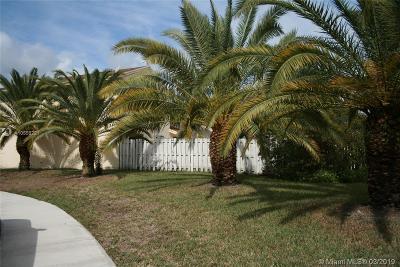 Broward County Single Family Home For Sale: 720 Pine Ridge Ter