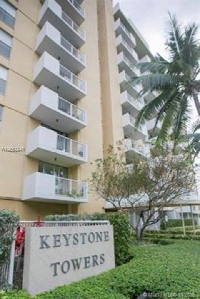 Miami-Dade County Condo For Sale: 2000 NE 135th St #910