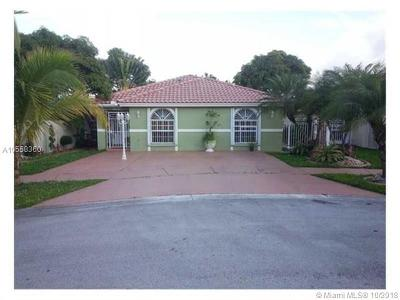 Miami-Dade County Single Family Home For Sale: 14207 SW 55th St