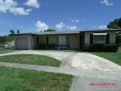 Lauderdale Lakes Single Family Home For Sale: 2780 NW 34th Ter
